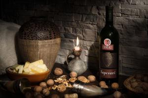 Предметная фотосъемка бутылки вина Саперави
