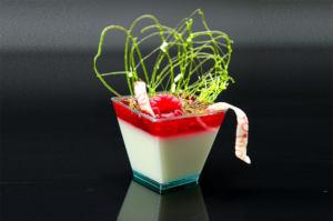 Пластиковые креманки для десертов